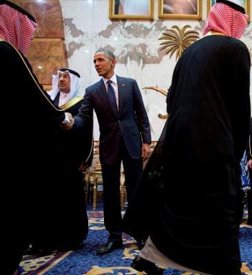 قناة تلفزيونية أمريكية تكشف عن إهمال وتجاهل سعودي لأوباما .. غاب الملك والتلفزيون والقُبلات ( صور)