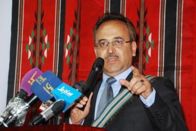 قيادي حوثي يهاجم القيادي المؤتمري وأمين العاصمة عبد القادر هلال ويتهمه بالفساد