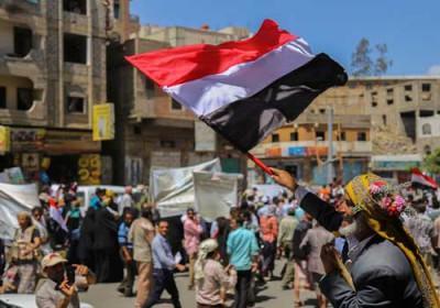 مليون ونصف المليون عامل فقدوا أعمالهم في اليمن .. وهذه المحافظة تحتل المرتبة الأولى في إرتفاع الأسعار