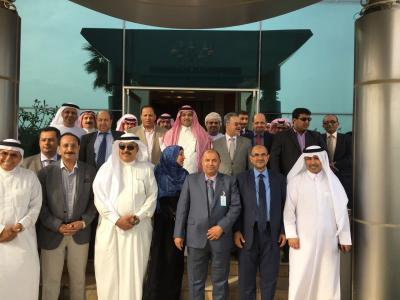 السفير السعودي لدى اليمن يقيم مأدبة غداء على شرف الوفد الحكومي في الكويت ( صوره)