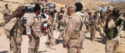 الحوثيون يسيطرون على أحد أكبر الألوية العسكرية والذي ظل محايداً .. والوفد الحكومي في محادثات الكويت يعلق ويتوعد برد مناسب