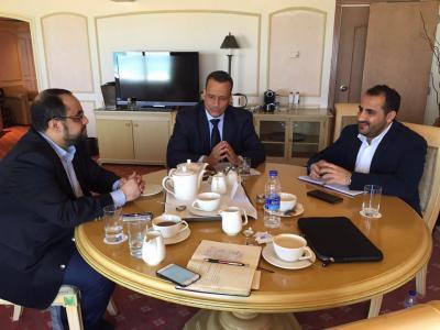 صحيفة كويتيه تدعوا ولد الشيخ إلى وقف الحوار مع وفد الحوثيين وصالح وإستخدام طريقة أخرى يفهمونها