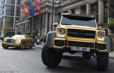 بالصور .. سيارات ذهبيه لمليادير سعودي تذهل البريطانيين والفرنسييين .. تعرف على أسعارها
