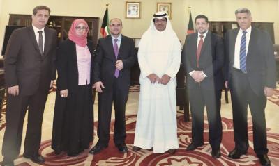 وزير الداخلية الأسبق اللواء عبده الترب  يظهر من جديد برفقة وفد الحكومة اليمنية في الكويت ( صوره)
