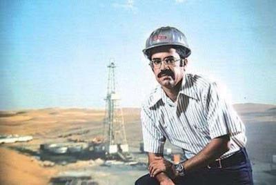 من هو وزير النفط السعودي والذي تم إعفاءه بعد 60 عاماً من العمل في حقل النفط بدأ مراسلاً في شركة آرامكو ثم رئيسها ثم وزيراً للنفط ( سيره ذاتيه)