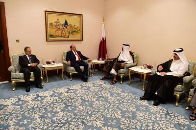 وساطة قطرية تنجح في إعادة الوفد الحكومي للمشاركة في مشاورات الكويت