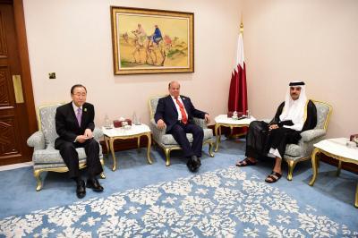 قمة ثلاثية تضم الرئيس هادي وأمير قطر وبان كي مون تؤكد على دعم الشرعيه في اليمن ( صوره)