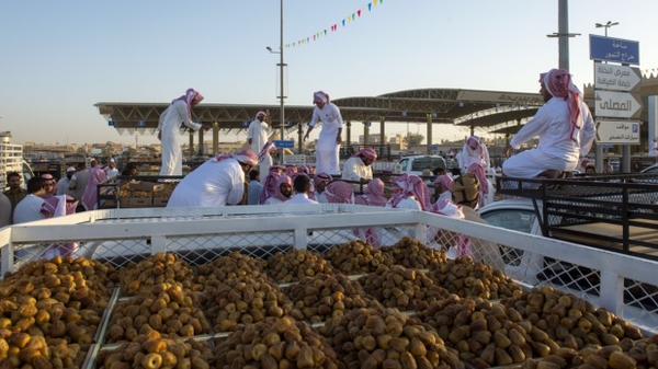 كم يصرف السعوديون على التمور في رمضان؟