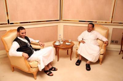 """رئيس الوزراء """" بن دغر """"  يلتقي العميد """" هاشم الأحمر """" ( صوره)"""
