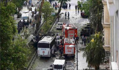 عشرات القتلى والجرحى بانفجار وسط إسطنبول بتركيا