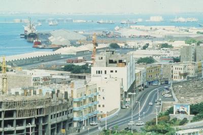إنفراج أزمة الكهرباء والمشتقات النفطية في عدن خلال ساعات