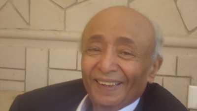 من هو رئيس الوزراء الأسبق الدكتور حسن مكي والذي توفي اليوم وولد في أحدى المدن السعودية ورفض حرب 94 ( سيرة ذاتية )