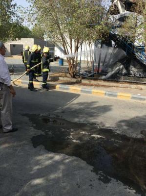 شاهد بالصور .. عُمال شركة بن لادن السعودية يحتجون ويحرقون سكنهم