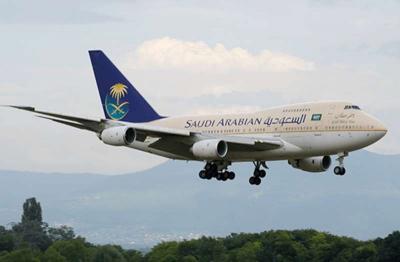 حالة ولادة تجبر طائرة سعودية على تغيير مسارها وتهبط في مطار لندن