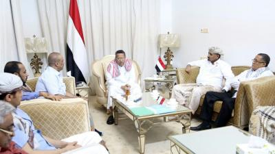 """رئيس الوزراء  """" بن دغر """" يعقد إجتماعاً بمحافظي عدن ولحج وقيادة المنطقة العسكرية الرابعة"""