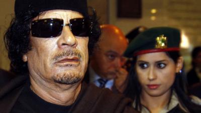 إحدى حارسات القذافي تكشف سبب اختياره الإناث العازبات في حراسته الشخصية