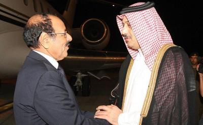 علي محسن الأحمر يصل قطر ( صور)