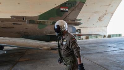تحطم طائرة حربية سورية وقوات المعارضة تأسر الطيار