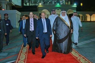 علي محسن الأحمر يصل الرياض