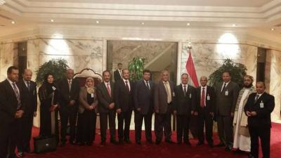 وفد الحكومة اليمنية في مشاورات الكويت يكشف عن سبب تعثر المشاورات في الكويت ويصدر بيان توضيحي ( نصه)