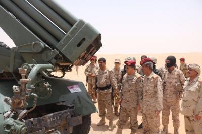 رئيس الأركان يتفقد جبهات القتال في بيحان وعسيلان بمحافظة شبوة ( صوره )