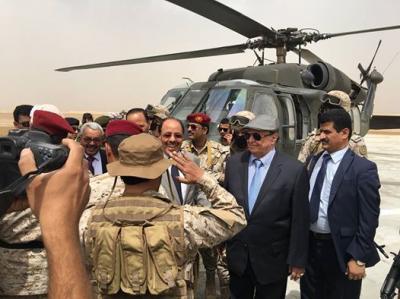 شاهد صور جديدة للرئيس هادي ونائبه علي محسن الأحمر أثناء وصولهم اليوم إلى مأرب