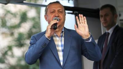 أردوغان يشكر رؤساء البرلمان وأكبر حزبين معارضين لرفضهم محاولة الانقلاب