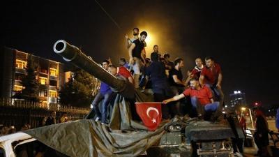 معلومات جديدة تكشف عن وجود بصمات دولة عربية  في محاولة الانقلاب بتركيا وتخشى تلك الدولة من أردوغان بعد فشل الإنقلاب