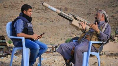 """رئيس المجلس الأعلى للمقاومة بصنعاء الشيخ """" منصور الحنق """" يكشف سبب توقف الجيش والمقاومة عن التقدم نحو صنعاء"""