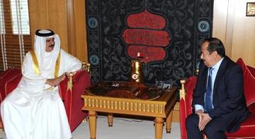 رئيس جهاز الأمن القومي الأسبق يبدأ ممارسة مهامه كسفيراً لليمن لدى البحرين ( صوره)