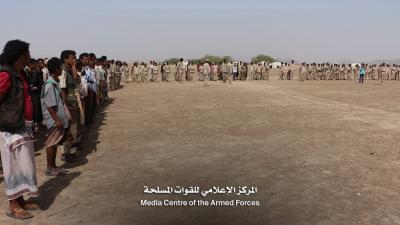 شاهد بالصور والفيديو ..  المئات من الضباط والأفراد يصلون مأرب ويعلنون إنضمامهم إلى جيش الشرعية