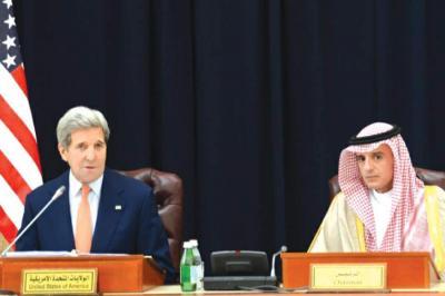 """قيادي حوثي يكشف موقف جماعته من مبادرة وزير الخارجية الأمريكي """" كيري """" بشأن حل الأزمة اليمنية"""