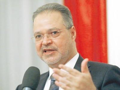 المخلافي يناقش مع لجنة الجوازات افتتاح مراكز إصدار في عدد من المحافظات والسفارات