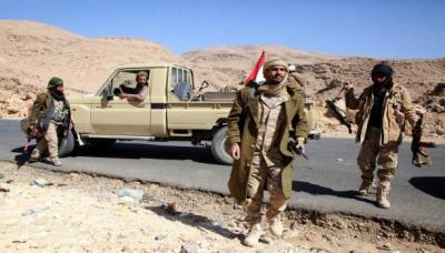 الجيش يعلن عن ضبط 3 شاحنات محملة بالأسلحة والقذائف كانت متجهة للحوثيين