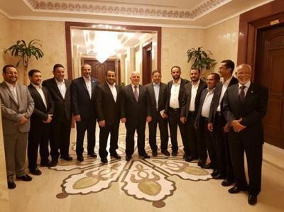 وفد الحوثيين يغادر العراق ويعود إلى مسقط بشكل مفاجئ بطلب عماني