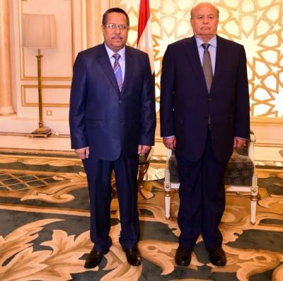 صحيفة تكشف عن موعد عودة الرئيس هادي وحكومة بن دغر وجميع قيادات الدولة إلى اليمن
