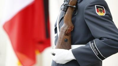 وزيرة الدفاع الألمانية تتباهى بوجود جنود مسلمين في الجيش الألماني