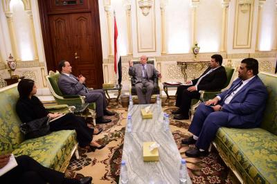 الرئيس هادي يلتقي ولد الشيخ