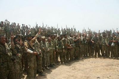 جنود وضباط الحرس الجمهوري ينتفضون في صنعاء ويطردون اللجنة المكلفة من وزارة الدفاع ( تفاصيل )