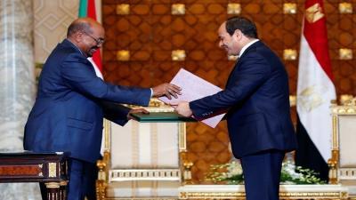 الرئيسان السيسي والبشير يوقعان وثيقة شراكة استراتيجية