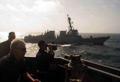 استهداف مدمرة أميركية للمرة الثالثة قبالة السواحل اليمنية