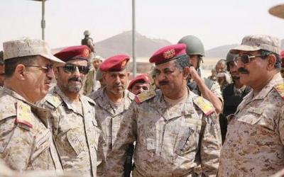 عقب تحميل التحالف مسؤولية قصف القاعة الكبرى لأركان الجيش اليمني .. المقدشي يكشف عن إجتماع يضم قيادات الجيش
