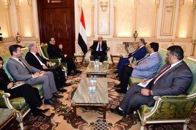 الرئيس هادي يستقبل المبعوث الأممي الى اليمن ولد الشيخ ( صوره)