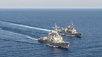 البحرية الأمريكية تكشف عن إعتراض أربع شحنات أسلحة إيرانية كانت في طريقها إلى اليمن