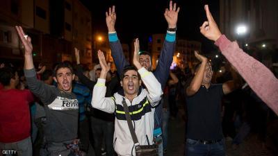"""الداخلية المغربية تروي تفاصيل وفاة """"بائع السمك"""" الذي أثار الغضب في الشارع المغربي"""