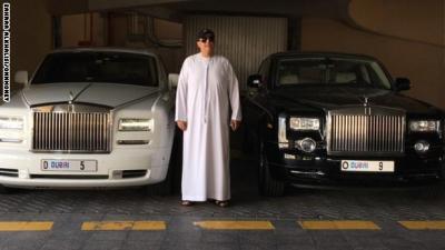 إماراتي ينفق 9 ملايين دولار على لوحة سيارة ( صوره)