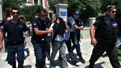 """تركيا : اعتقال زعيم """"الشعوب الديمقراطي"""" و11 من نوابه"""